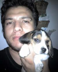 beagle_Zelda_y_su_dueño