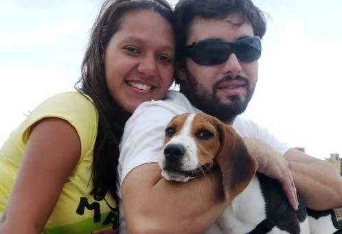 beagle-Cholito-Tenerife con sus dueños