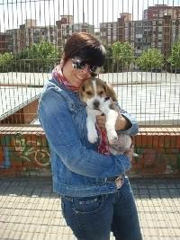 Rosa con su beagle Cuco