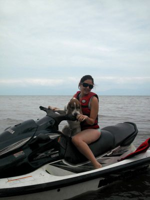 Napo-beagle-moto-acuatica